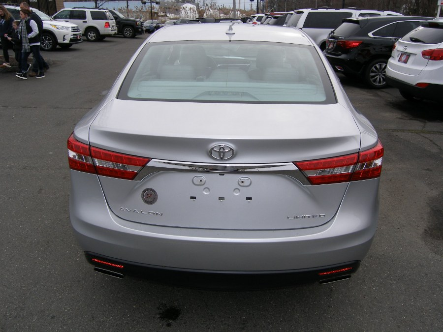 2014 Toyota Avalon 4dr Sdn Limited (Natl), available for sale in Stratford, Connecticut | Wiz Leasing Inc. Stratford, Connecticut