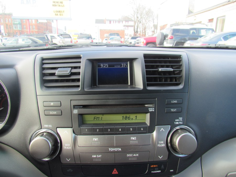 2010 Toyota Highlander 4WD 4dr V6 SE, available for sale in Worcester, Massachusetts | Hilario's Auto Sales Inc.. Worcester, Massachusetts