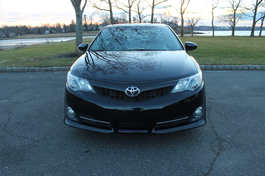 2013 Toyota Camry 4dr Sdn I4 Auto SE, available for sale in Great Neck, NY