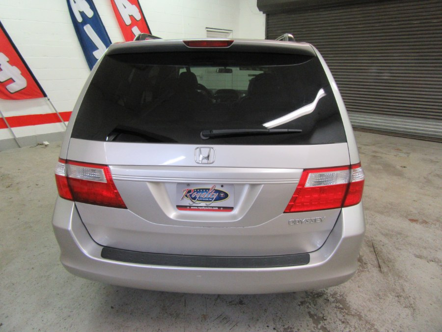 2005 Honda Odyssey EX-L AT, available for sale in Little Ferry, New Jersey | Royalty Auto Sales. Little Ferry, New Jersey