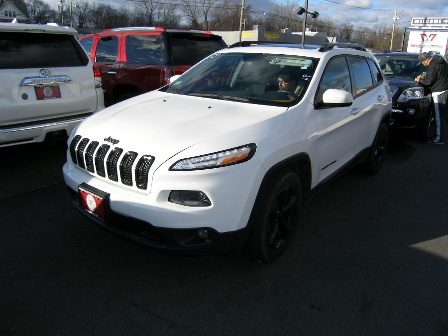 2015 Jeep Cherokee 4WD 4dr Latitude, available for sale in Stratford, Connecticut | Wiz Leasing Inc. Stratford, Connecticut