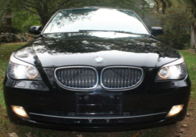 2008 BMW 5 Series 4dr Sdn 535xi AWD, available for sale in Stratford, Connecticut | Mike's Motors LLC. Stratford, Connecticut