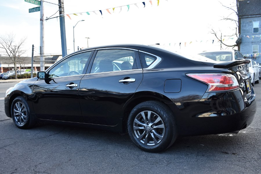 2015 Nissan Altima 4dr Sdn I4 2.5 S, available for sale in Hartford, Connecticut | VEB Auto Sales. Hartford, Connecticut