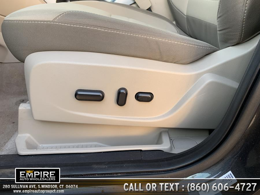 Used Ford Escape 4WD 4dr SE 2015 | Empire Auto Wholesalers. S.Windsor, Connecticut