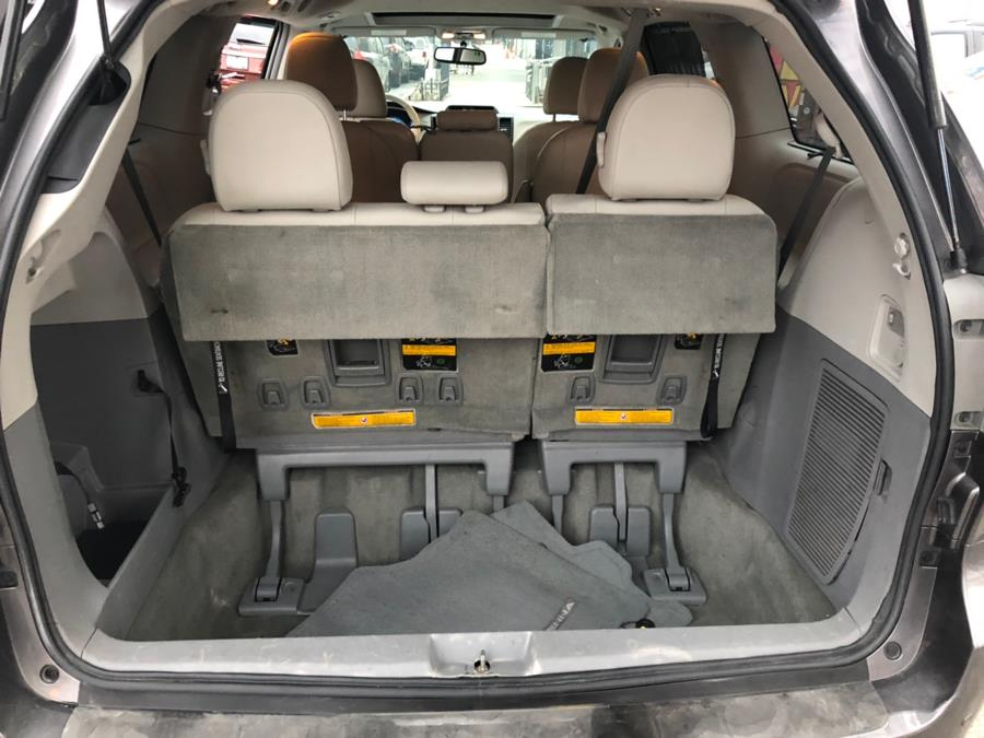 2014 Toyota Sienna 5dr 8-Pass Van V6 XLE FWD (Natl), available for sale in Brooklyn, New York | Carsbuck Inc.. Brooklyn, New York