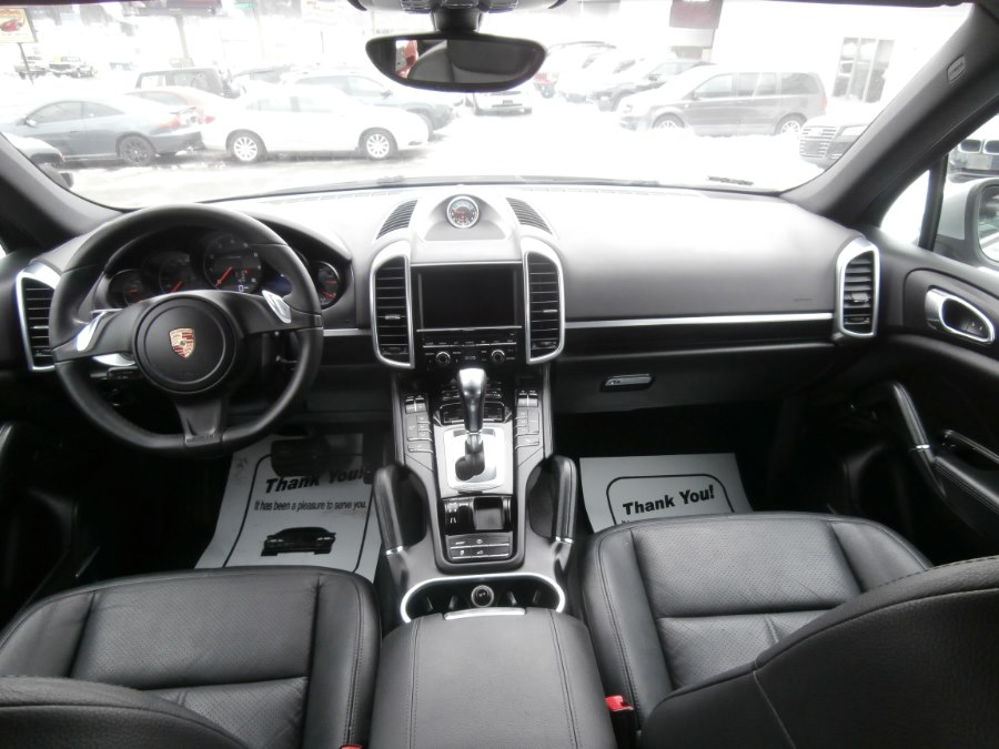 2013 Porsche Cayenne AWD 4dr Tiptronic, available for sale in Waterbury, Connecticut | Jim Juliani Motors. Waterbury, Connecticut