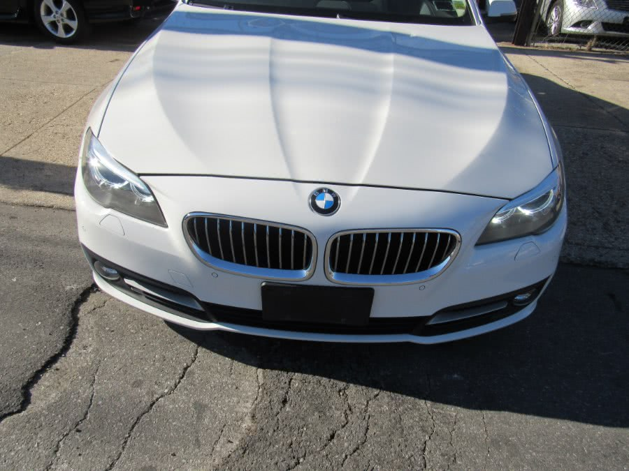 2016 BMW 5-Series 4dr Sdn 535i xDrive AWD photo