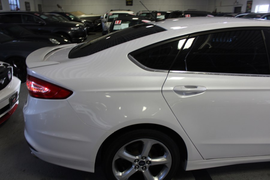 2016 Ford Fusion 4dr Sdn SE FWD, available for sale in Deer Park, New York | Car Tec Enterprise Leasing & Sales LLC. Deer Park, New York