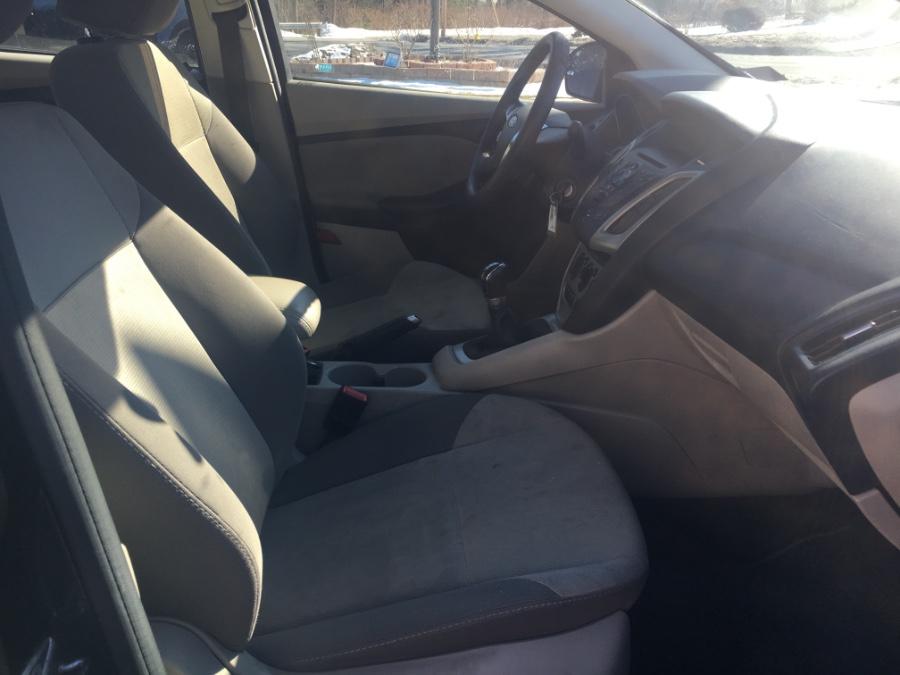 2013 Ford Focus 4dr Sdn SE, available for sale in Charlton, Massachusetts | Gary Jackson Motors. Charlton, Massachusetts