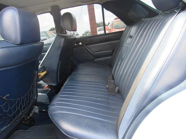 Used Mercedes-Benz 300 Series 4dr Sedan 300E 1986 | Hilario Auto Import. San Francisco de Macoris Rd, Dominican Republic