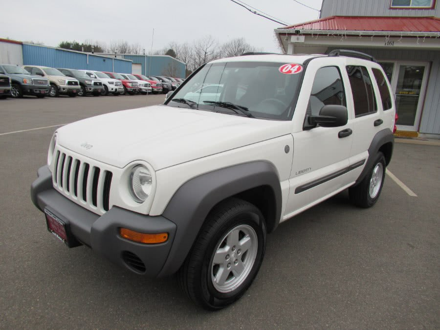 2004 Jeep Liberty 4dr Sport 4WD, available for sale in South Windsor, Connecticut | Mike And Tony Auto Sales, Inc. South Windsor, Connecticut