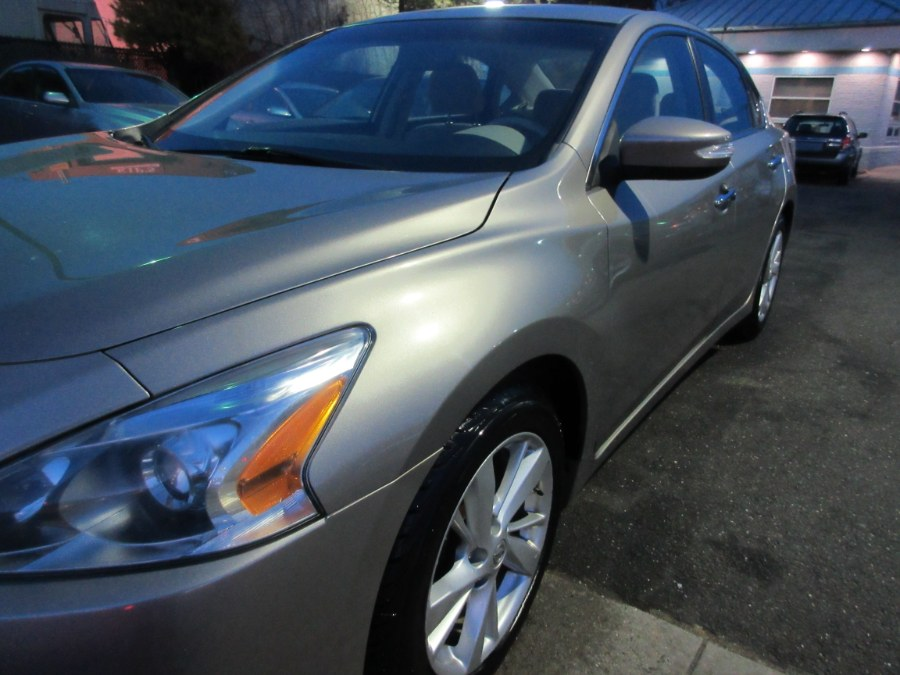 2014 Nissan Altima 4dr Sdn I4 2.5 S, available for sale in Lynbrook, New York | ACA Auto Sales. Lynbrook, New York