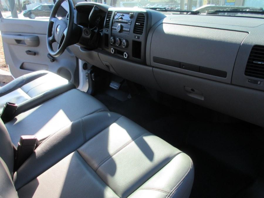 2009 Chevrolet Silverado 1500 2WD Reg Cab 133.0