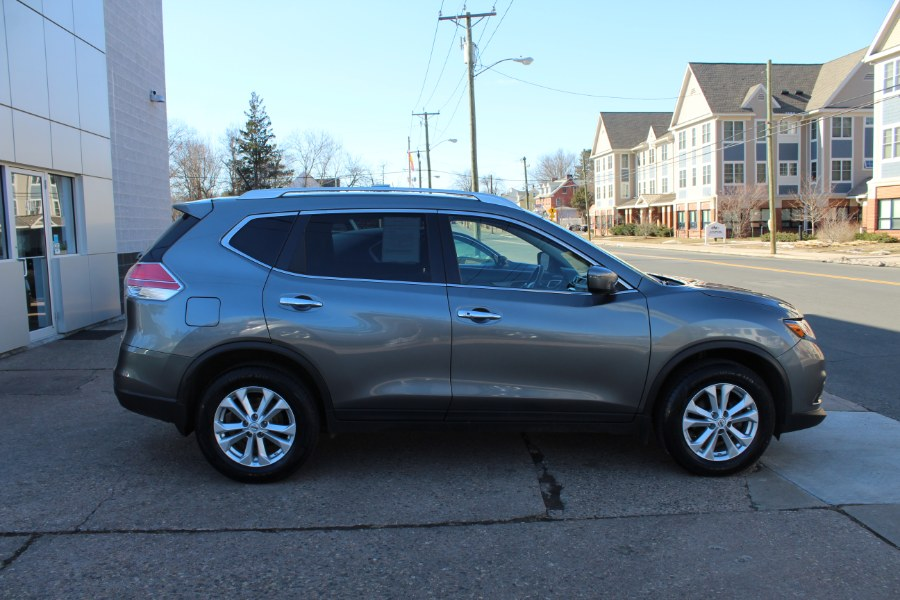 2016 Nissan Rogue AWD 4dr SV, available for sale in Manchester, Connecticut | Carsonmain LLC. Manchester, Connecticut