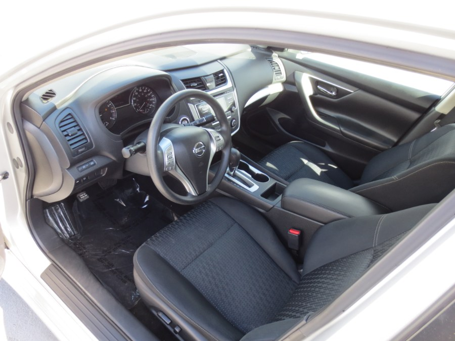 2016 Nissan Altima 4dr Sdn I4 2.5 SV, available for sale in Santa Ana, California | Auto Max Of Santa Ana. Santa Ana, California