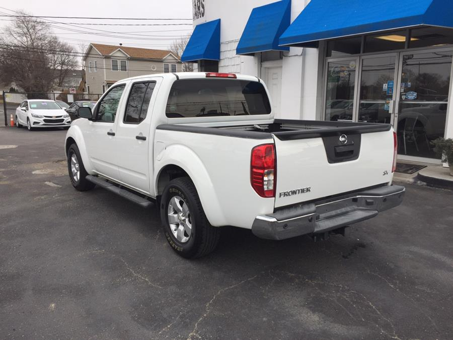 2013 Nissan Frontier 2WD Crew Cab SWB Auto SV, available for sale in Lindenhurst, New York | Rite Cars, Inc. Lindenhurst, New York