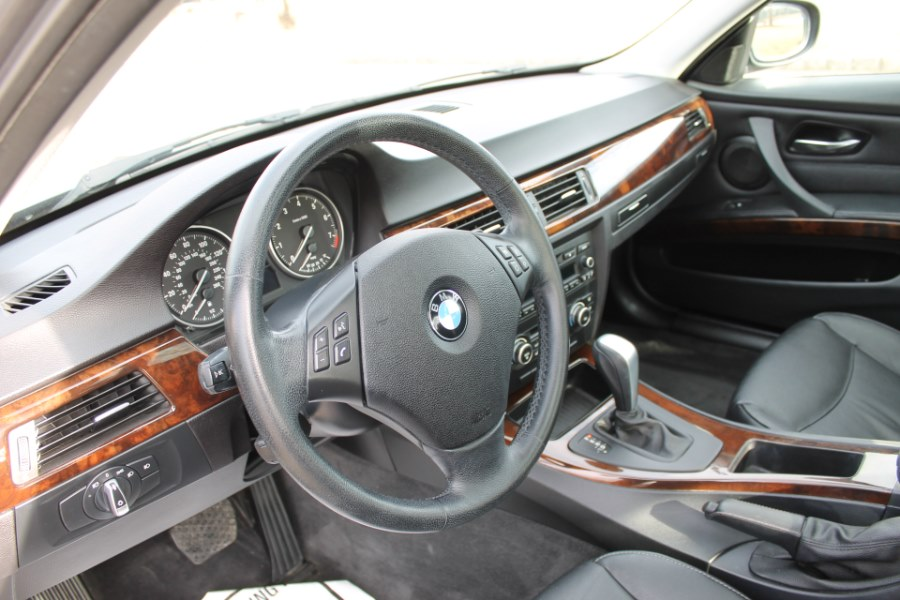 2011 BMW 3 Series 4dr Sdn 328i xDrive AWD, available for sale in Great Neck, NY