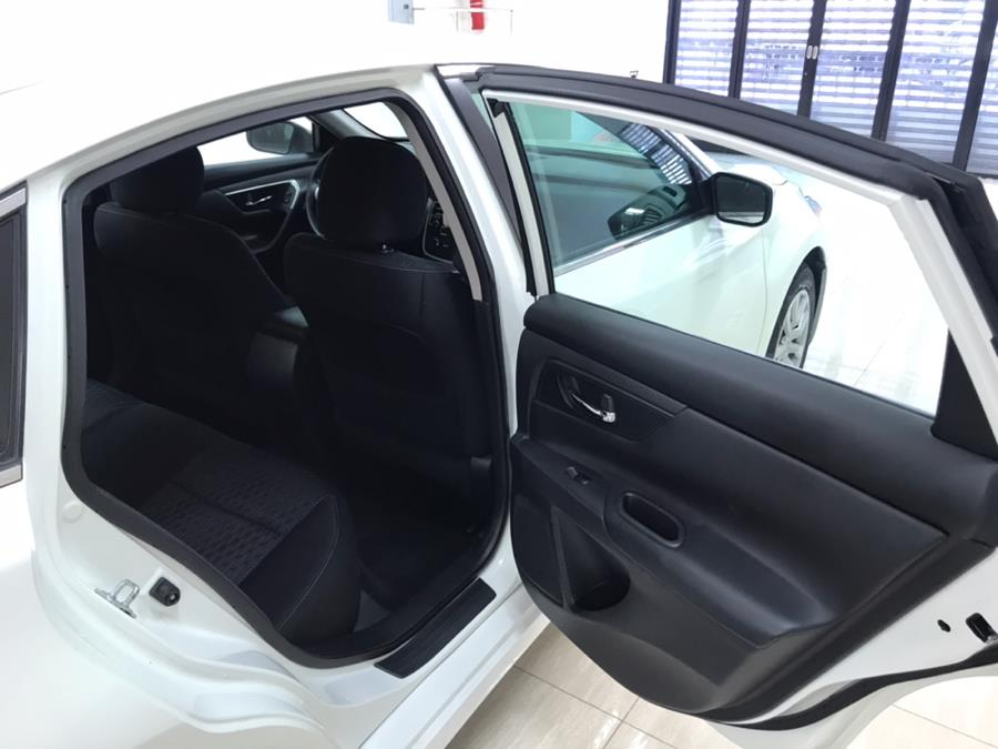 2016 Nissan Altima 4dr Sdn I4 2.5 S, available for sale in Bronx, New York | Luxury Auto Group. Bronx, New York
