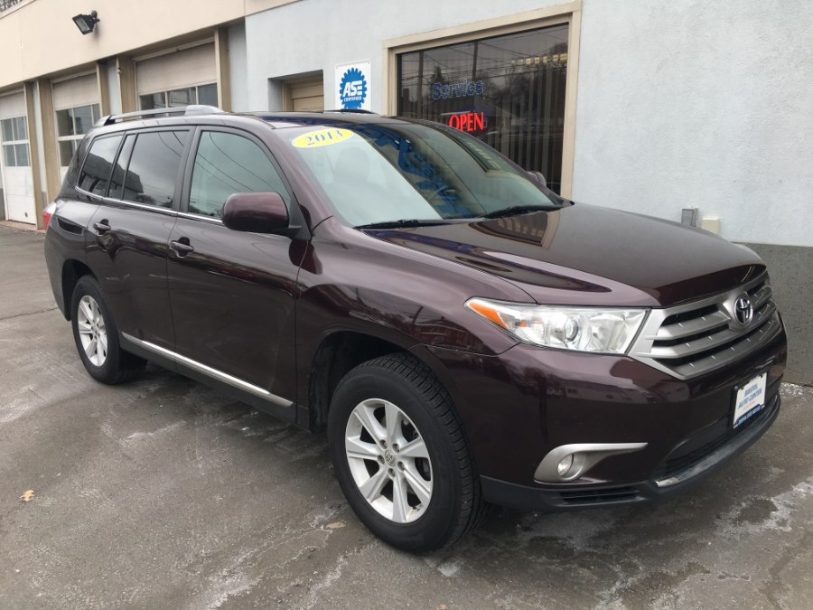 2013 Toyota Highlander 4WD 4dr V6 SE (Natl), available for sale in Bristol, Connecticut | Bristol Auto Center LLC. Bristol, Connecticut