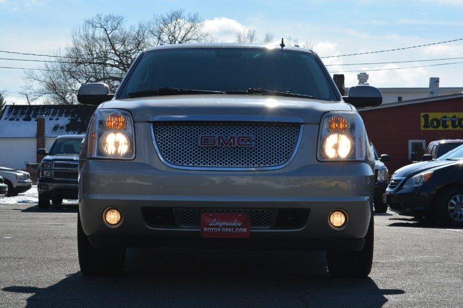 2009 GMC Yukon XL Denali AWD 4dr 1500, available for sale in ENFIELD, Connecticut | Longmeadow Motor Cars. ENFIELD, Connecticut