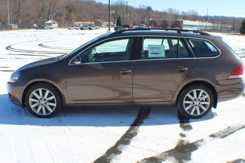 2011 Volkswagen Jetta SportWagen TDI 4dr Wagon 6A, available for sale in Waterbury, Connecticut | Sphinx Motorcars. Waterbury, Connecticut