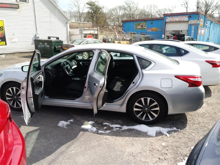 2017 Nissan Altima 2.5 SV Sedan, available for sale in Shirley, New York   Roe Motors Ltd. Shirley, New York