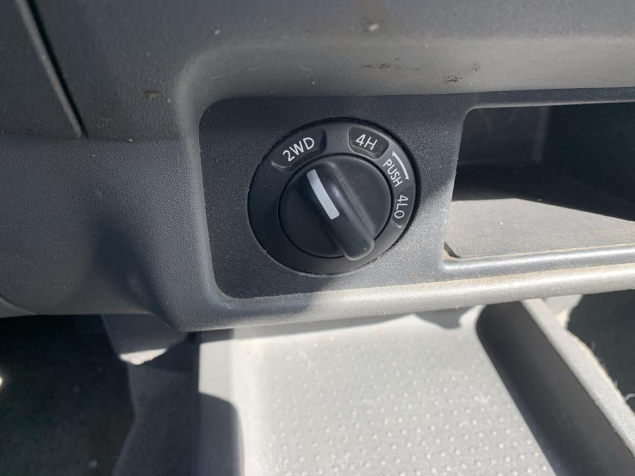 2005 Nissan Frontier 4WD SE Crew Cab V6 Auto, available for sale in Meriden, Connecticut | Five Star Cars LLC. Meriden, Connecticut