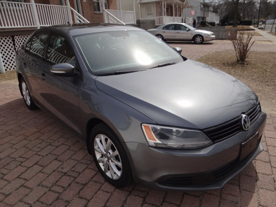 2012 Volkswagen Jetta Sedan 4dr Auto SE w/Convenience & Sunroof PZEV, available for sale in West Babylon, New York | SGM Auto Sales. West Babylon, New York