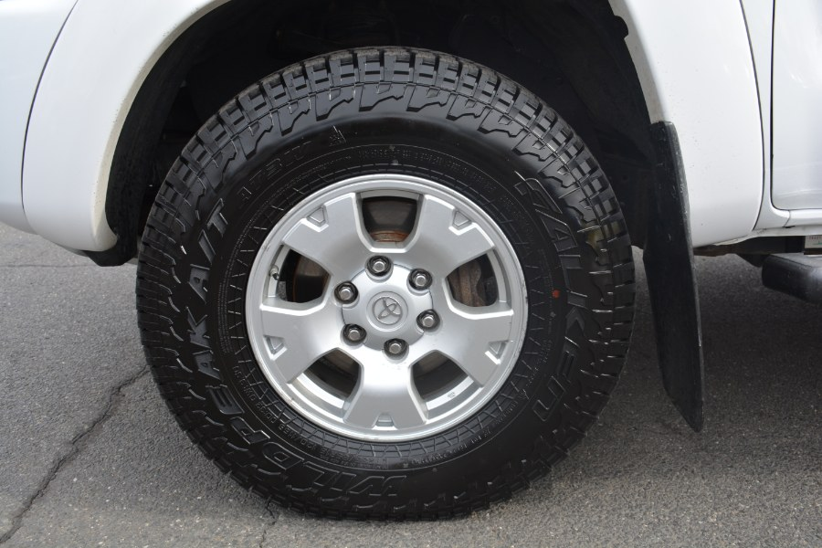 2011 Toyota Tacoma 4WD Double LB V6 AT (Natl), available for sale in ENFIELD, Connecticut   Longmeadow Motor Cars. ENFIELD, Connecticut