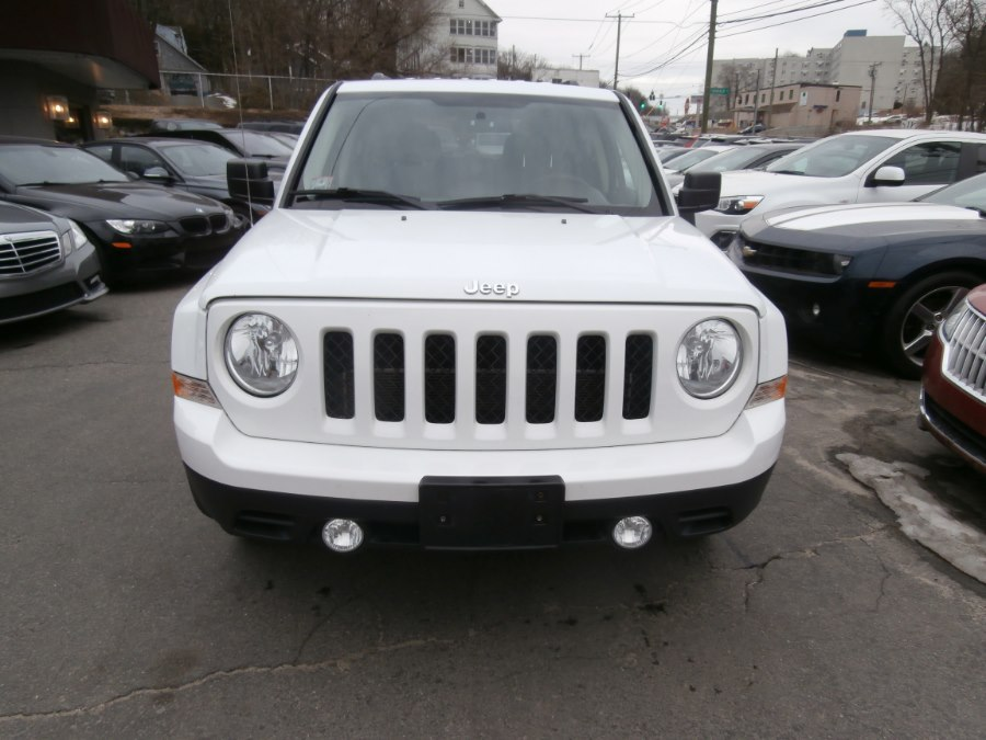 2015 Jeep Patriot FWD 4dr Sport, available for sale in Waterbury, Connecticut | Jim Juliani Motors. Waterbury, Connecticut