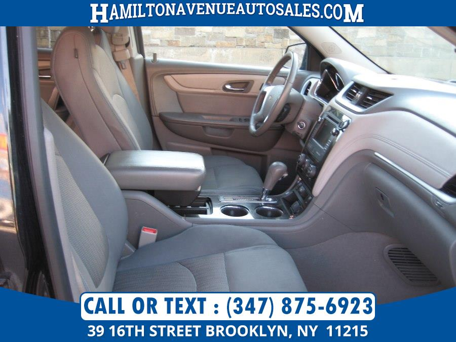 2015 Chevrolet Traverse AWD 4dr LT w/1LT, available for sale in Brooklyn, New York | Hamilton Avenue Auto Sales DBA Nyautoauction.com. Brooklyn, New York