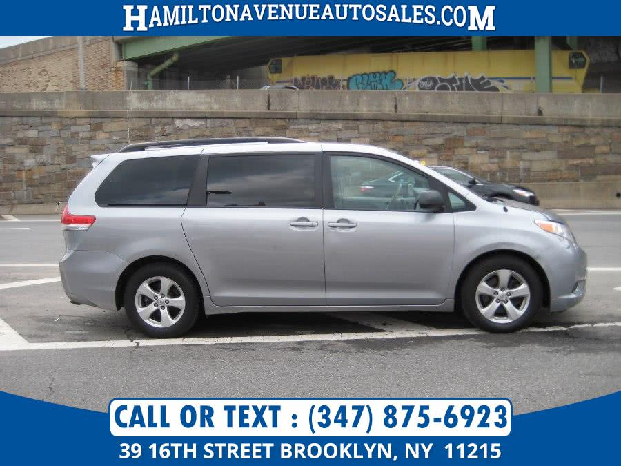 Used 2014 Toyota Sienna in Brooklyn, New York | Hamilton Avenue Auto Sales DBA Nyautoauction.com. Brooklyn, New York