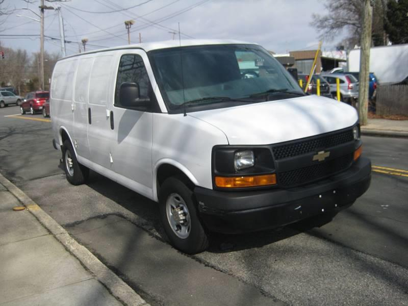 Used Chevrolet Express Cargo 2500 3dr Cargo Van w/1WT 2014 | Rite Choice Auto Inc.. Massapequa, New York