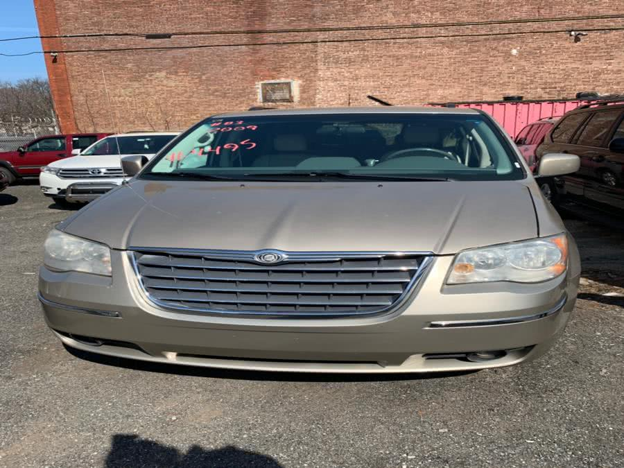 Used 2009 Chrysler Town & Country in Brooklyn, New York | Atlantic Used Car Sales. Brooklyn, New York
