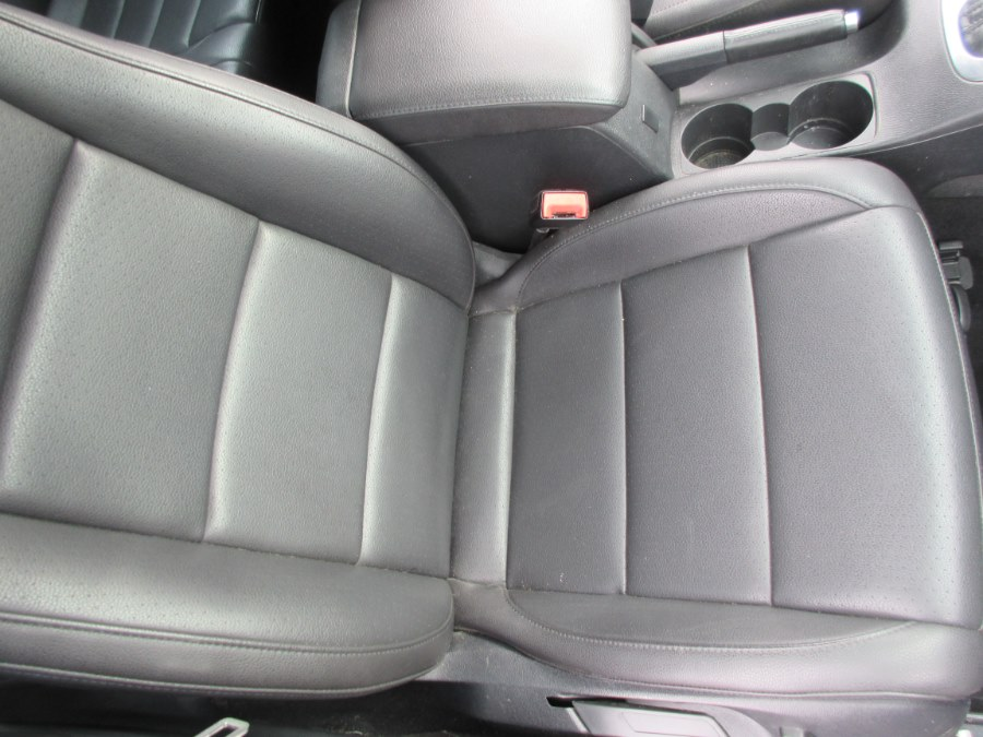 2010 Volkswagen Jetta Sedan 4dr Auto Limited PZEV, available for sale in Lynbrook, New York | ACA Auto Sales. Lynbrook, New York
