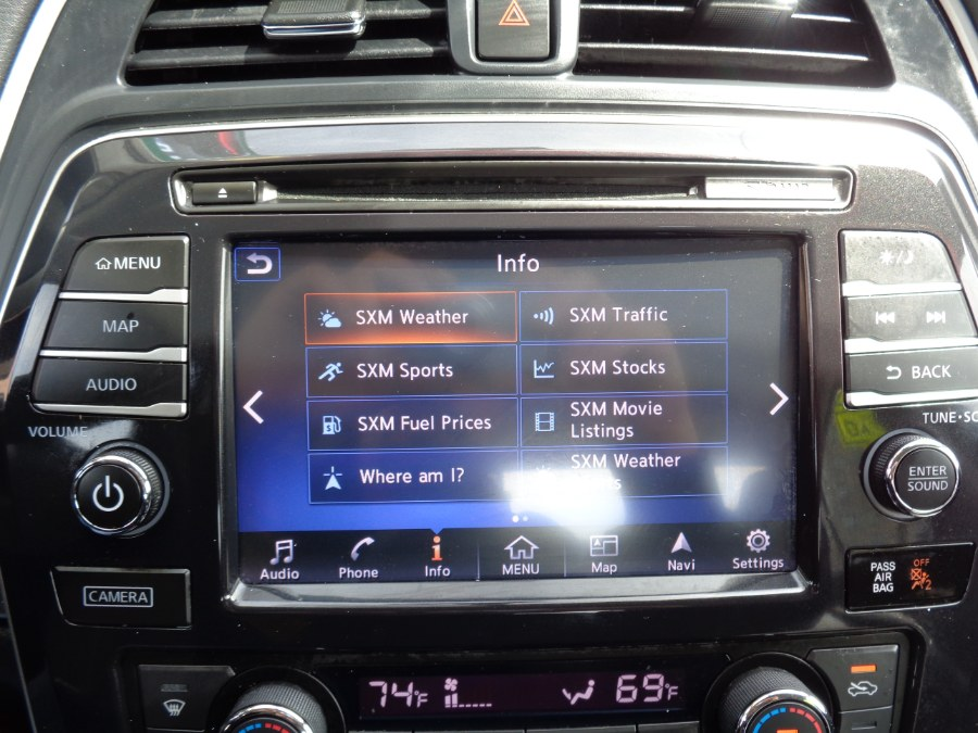 Used Nissan Maxima SL Navigation Camera Bluetooth Panoramic BSM XM Bose 2017 | Top Speed Motors LLC. Jamaica, New York