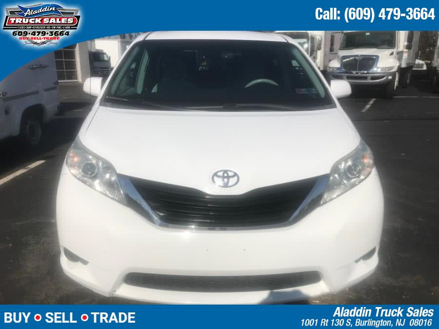 Used Toyota Sienna 5dr 7-Pass Van V6 LE AWD (Natl) 2011 | Aladdin Truck Sales. Burlington, New Jersey