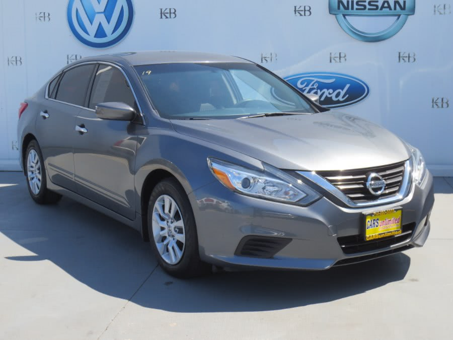Used 2016 Nissan Altima in Santa Ana, California | Auto Max Of Santa Ana. Santa Ana, California