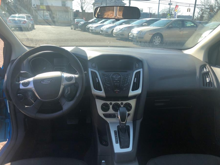 2013 Ford Focus 4dr Sdn SE, available for sale in Manchester, Connecticut | Best Auto Sales LLC. Manchester, Connecticut