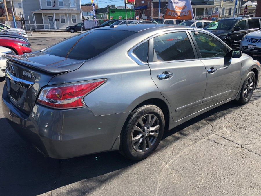 Used Nissan Altima 4dr Sdn I4 2.5 SR 2016 | Affordable Motors Inc. Bridgeport, Connecticut
