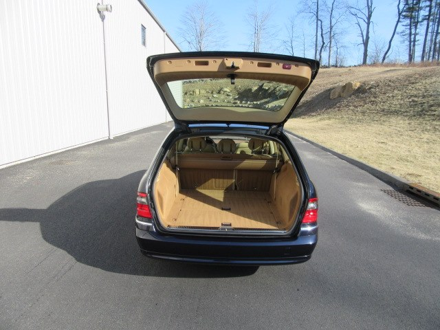 2007 Mercedes-Benz E-Class 4dr Wgn 3.5L 4MATIC, available for sale in Danbury, Connecticut | Performance Imports. Danbury, Connecticut