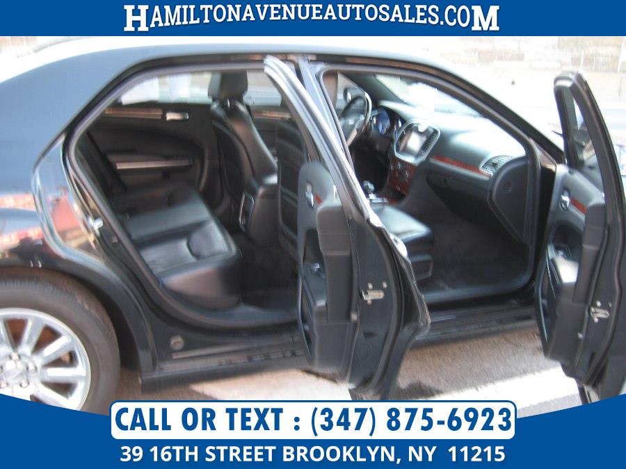 2012 Chrysler 300 4dr Sdn V6 Limited RWD, available for sale in Brooklyn, New York   Hamilton Avenue Auto Sales DBA Nyautoauction.com. Brooklyn, New York