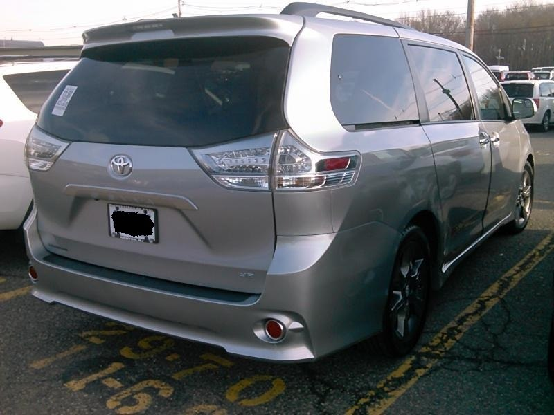 2016 Toyota Sienna 5dr 8-Pass Van SE FWD (Natl), available for sale in Paterson, New Jersey   Joshy Auto Sales. Paterson, New Jersey