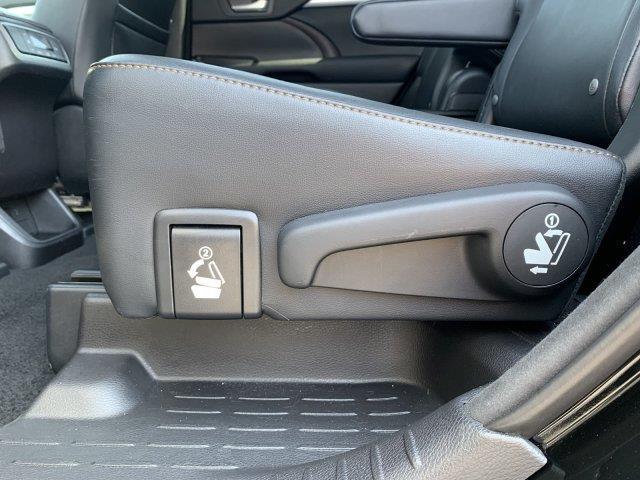 2015 Toyota Highlander XLE AWD, available for sale in Cincinnati, Ohio | Luxury Motor Car Company. Cincinnati, Ohio