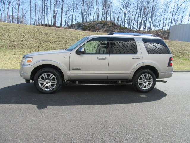 2008 Ford Explorer 4WD 4dr V8 Limited, available for sale in Danbury, Connecticut | Performance Imports. Danbury, Connecticut