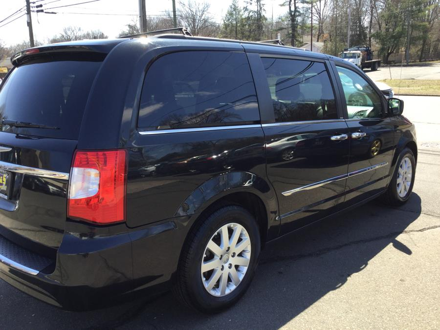 2014 Chrysler Town & Country 4dr Wgn Touring, available for sale in Plantsville, Connecticut | L&S Automotive LLC. Plantsville, Connecticut