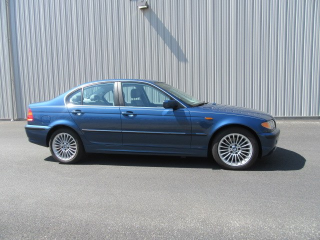2002 BMW 3 Series 330xi 4dr Sdn AWD, available for sale in Danbury, Connecticut | Performance Imports. Danbury, Connecticut