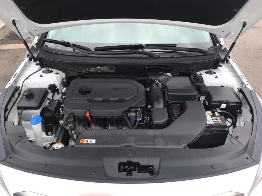 Used Hyundai Sonata SE 2.4L 2017 | Roe Motors Ltd. Shirley, New York