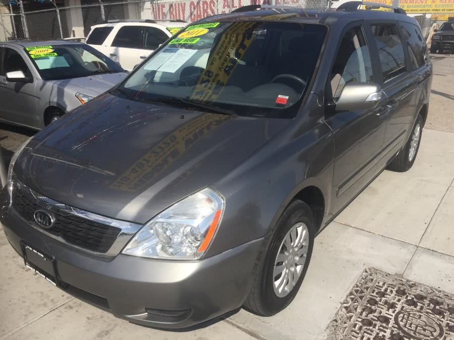 Used Kia Sedona 4dr LWB LX 2011 | Middle Village Motors . Middle Village, New York