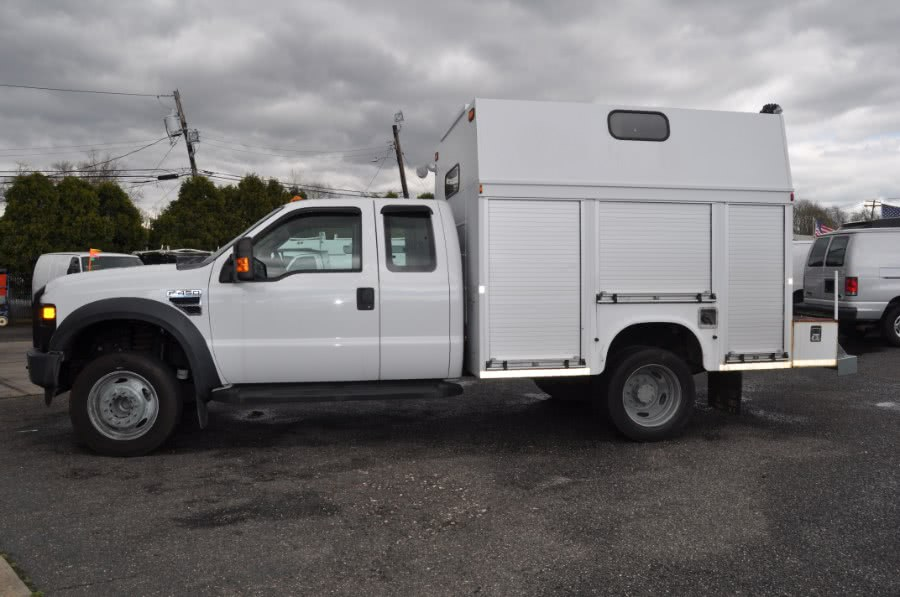 Used 2009 Ford Super Duty F-450 DRW in Lindenhurst, New York | The Van Depot Inc.. Lindenhurst, New York